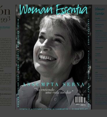 Revista Woman Essentia, diseñada por la agencia de marketing digital y diseño web, Iconos Consultores